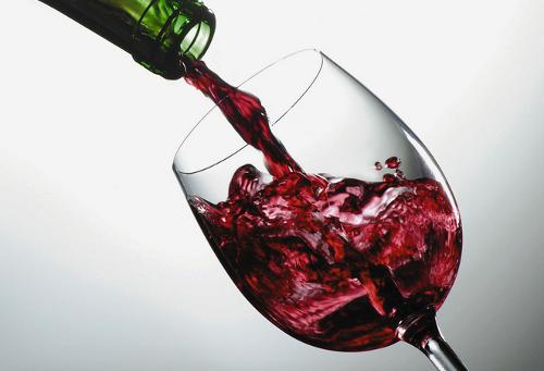 NO EXISTE BENEFICIO EN EL CONSUMO MODERADO DE ALCOHOL